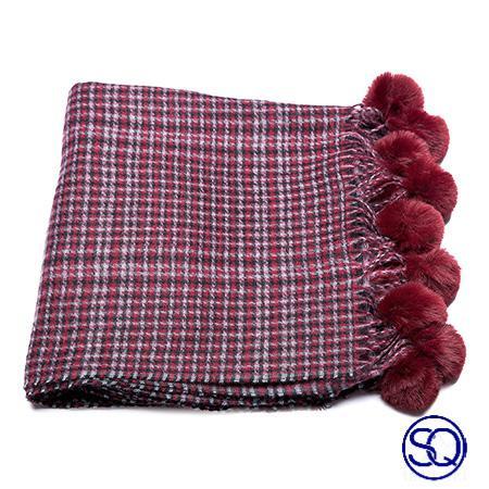 bufanda cuadros ciruela con pompones sagrario quilez tocados y complementos (3)