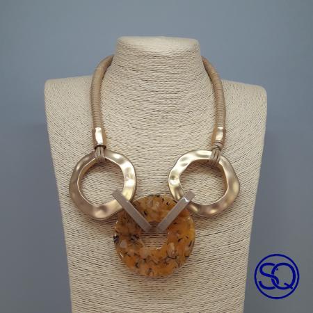 collar anillas oro y carey. Tocados y complementos Sagrario Quilez (2)