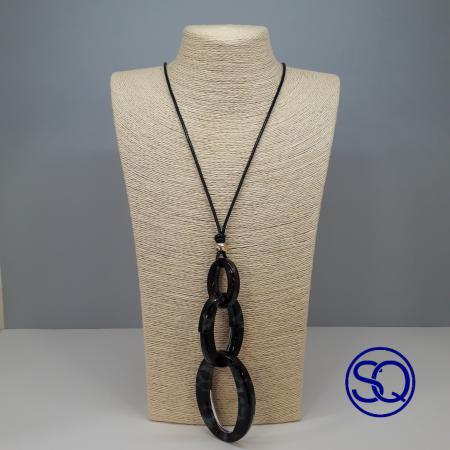 collar cordón negro y carey. Tocados y complementos Sagrario Quilez (3)