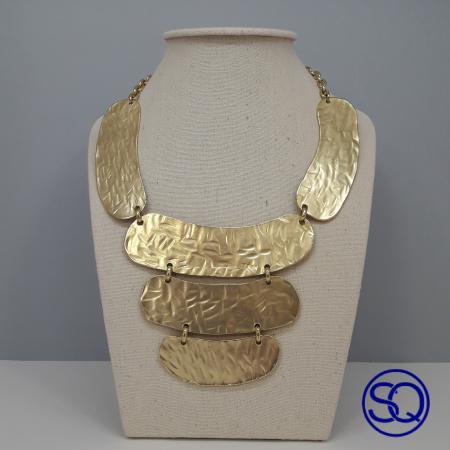 collar egipcio oro mate. Tocados y complementos Sagrario Quilez