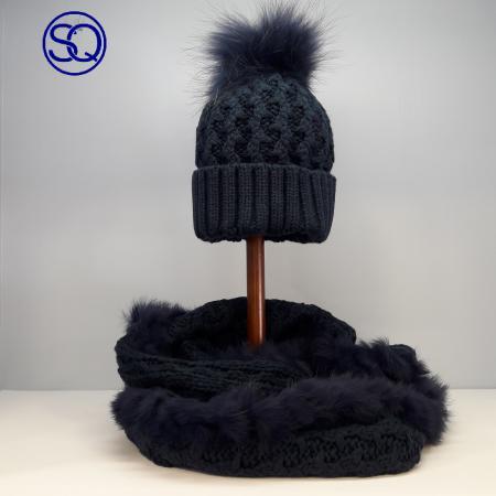 conjunto gorro y cuello azulpelo natural sagrario quilez tocados y complementos