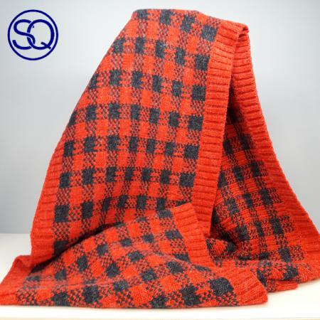 cuello cuadros rojos y negros sagrario quilez tocados y complementos (2)