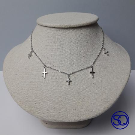 gargantilla con cruces circonitas. Tocados y complementos Sagrario Quilez (2)