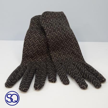 guantes cortos zigzag. Sagrario Quilez tocados y complementos.