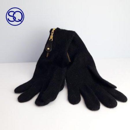 guantes lana negra con cremallera. Sagrario Quilez tocados y complementos