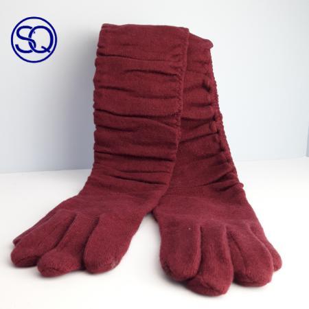 guantes lana largos drapeados. Tocados y complementos Sagrario Quilez