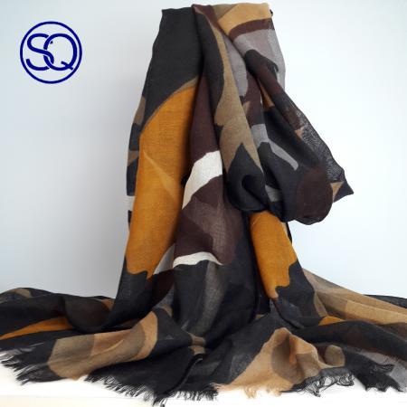 pañuelo lana mostaza marrón. Tocados y complementos. Sagrario Quilez (1)