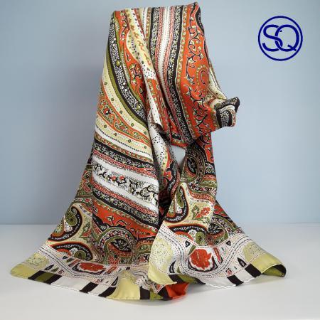 pañuelo seda naranja y beig. Tocados y complementos Sagrario Quilez (1)
