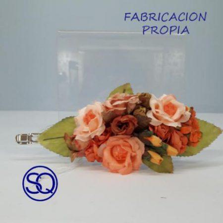 pasador flor de tela rosas. Tocados y complementos Sagrario Quilez (2)