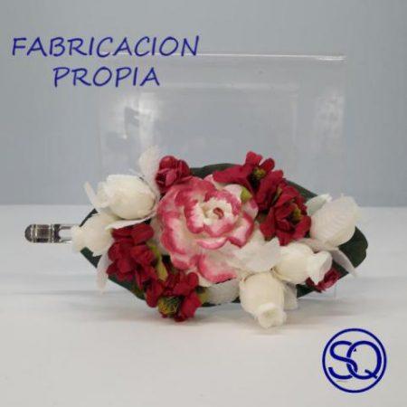 pasador flores granate y blanco. Tocados y complementos Sagrario Quilez (1)
