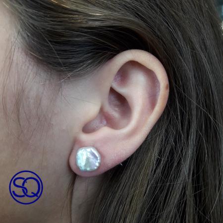 pendientes perlas cultivadas pequeñas. Tocados y complementos Sagrario Quilez (1)