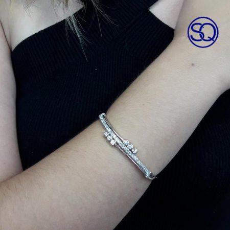 pulsera rígida plata y circonitas. Tocados y complementos Sagrario Quilez (1)