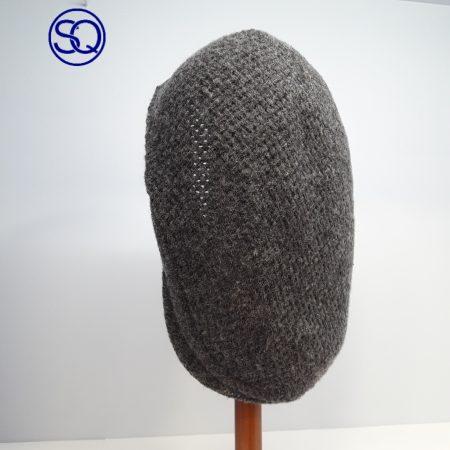 visera lana jaspeada gris. Tocados y complementos Sagrario Quilez