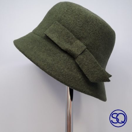 sombrero lana verde. Tocados y complementos Sagrario Quilez