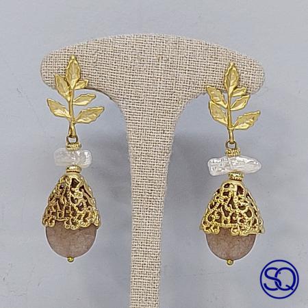 Pendientes hojas perlas y piedra natural. Tocados y complementos Sagrario Quilez (2)