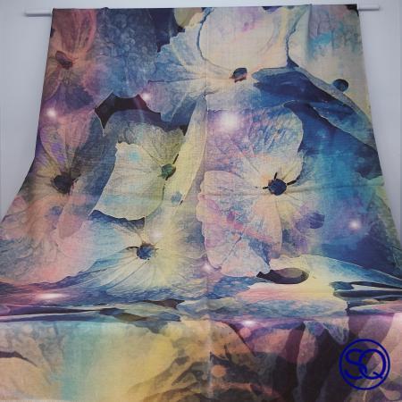 foulard lana fría flores azules. Tocados y complementos Sagrario Quilez (2)