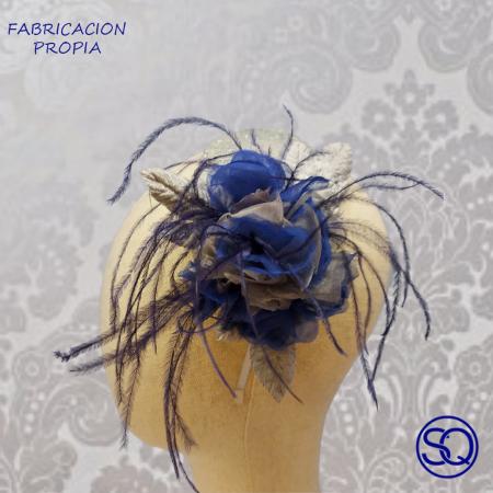 lágrima gris y flor azul. Tocados y complementos Sagrario Quilez (2)