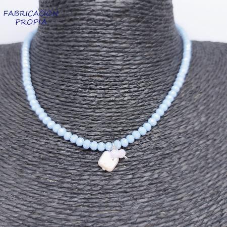gargantilla de cristal y colgante de perla. Tocados y complementos Sagrario Quilez (19)